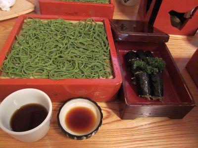 茶ソバとそば寿司.jpg